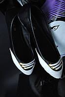 Черные балетки с белым носком