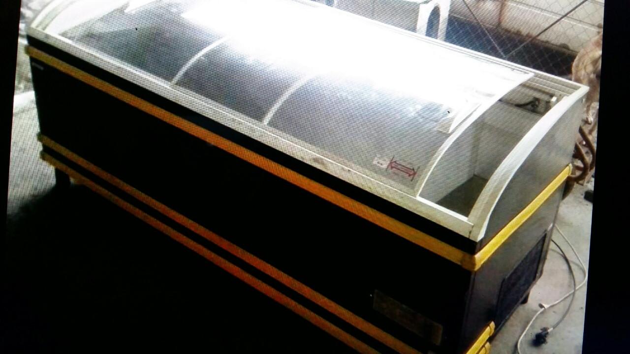 Ларь морозильный AHT Paris 210 бу