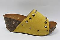 Желтые удобные шлепанцы ТМ Allshoes