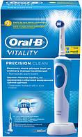 Зубная электрощетка Braun Oral-B Vitality Precision Clean D12