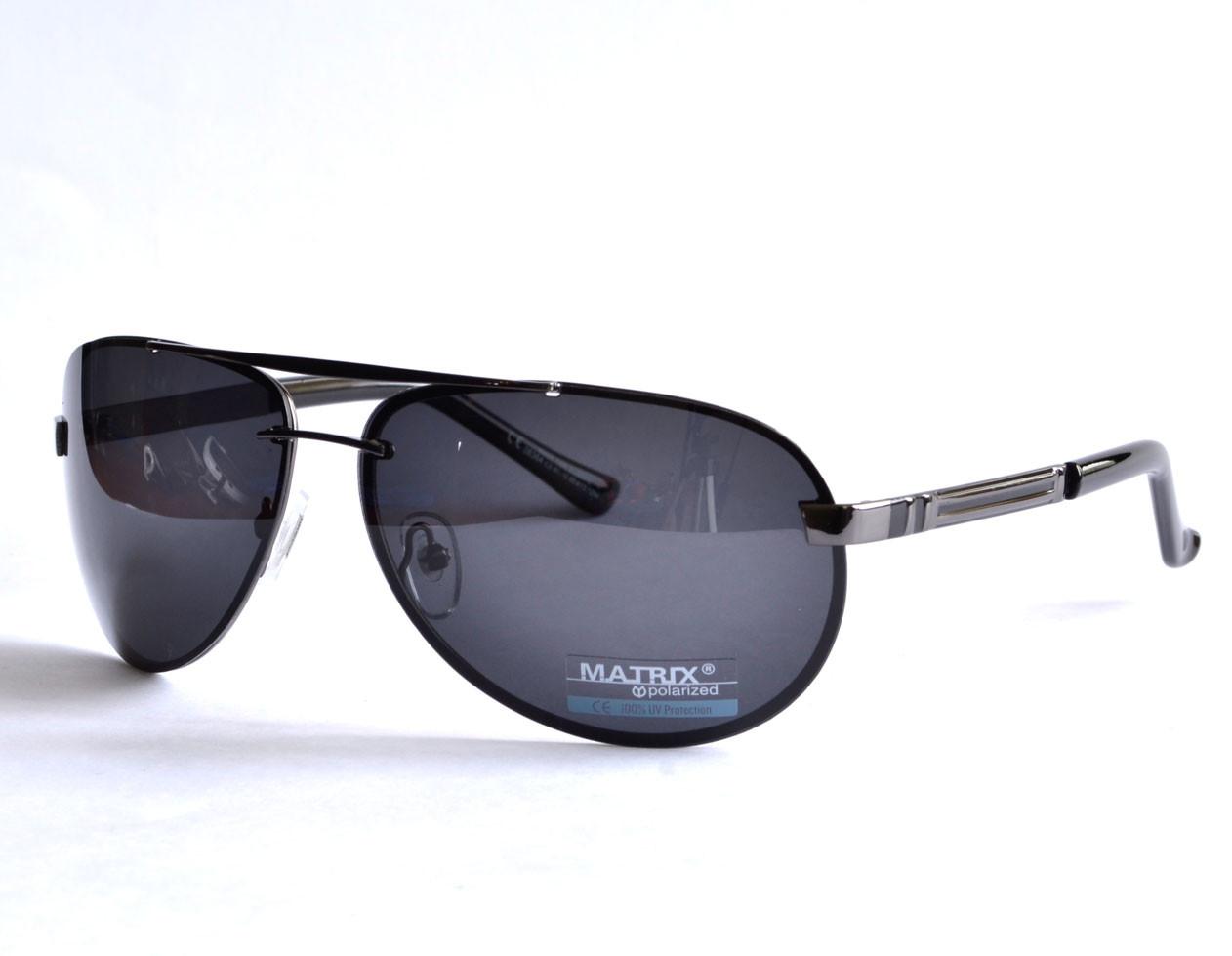 Модные солнцезащитные очки Matrix Polarized 08364