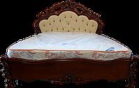 Кровать резная из дерева ручной работы двуспальная