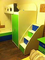 Детская комната D-5 с бежево салатовые фасадами