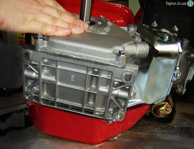 Двигатель Булат ВТ 170 FS фото крепления