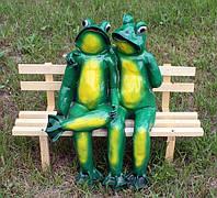 """Садовая фигура """"Жабы на скамейке"""" H-56см"""