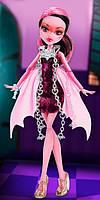 Кукла монстер хай Дракулаура серии Призрачные Monster High Haunted Getting Ghostly Draculaura