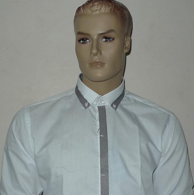 Приталенная белая рубашка