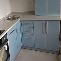 Кухня с гнутыми фасадами