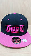 Кепка рэперка OBEY черная с розовым козырьком.