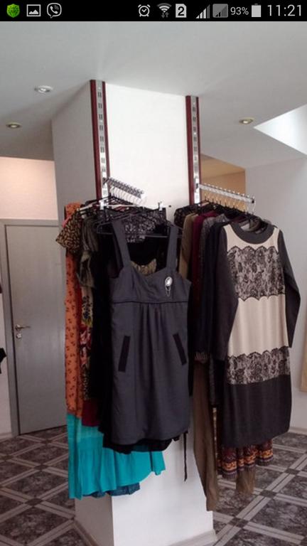Комплектация оборудованием магазина одежды