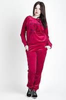 Женский велюровый костюм малинового цвета