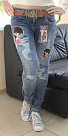 Стильные женские молодежные джинсы варенка с девочкой