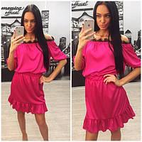 Летнее шелковое платье с открытыми плечами и кружевом p-31031438