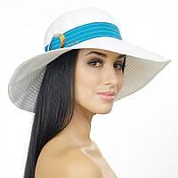 Женская  шляпа белая с пряжкой и темно-бирюзовым кантом.