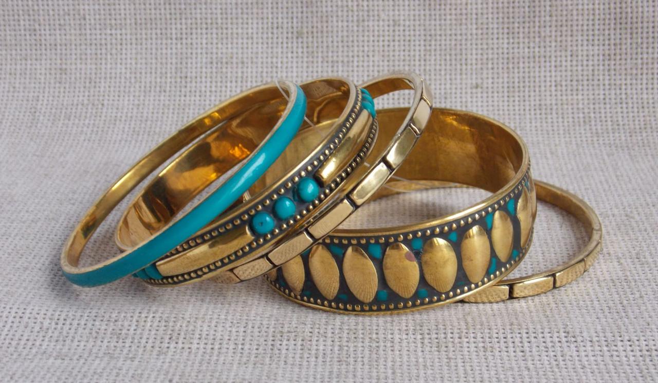Индийские браслеты бирюзового цвета из кости. Браслеты, цена 330 грн., купить в Херсоне — Prom.ua (ID#46872767)