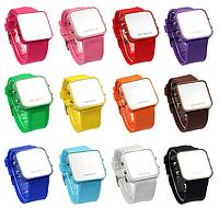 Часы наручные зеркальные с силиконовым ремешком - красные
