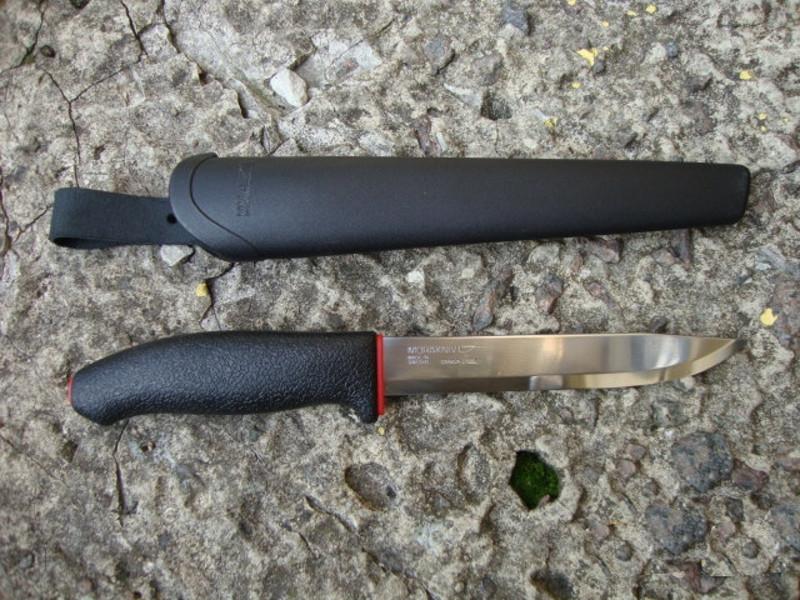 Нож из углеродистой стали MoraAllround 731 Carbon Steel