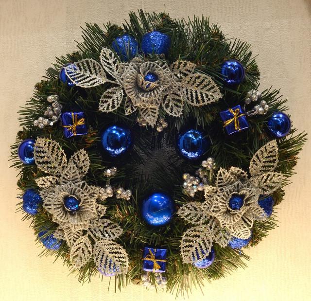 Венок новогодний малый  украшенный Серебро с синим 0422 SB