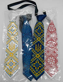 Вишиті краватки і метелики