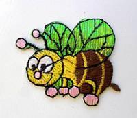 Аппликация клеевая.  Пчела