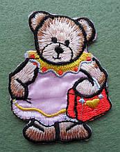 Аплікація клейова. Ведмідь у рожевій сукні, 50х62 мм