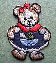 Аплікація клейова. Ведмідь в синій сукні, 54х70 мм