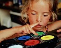 Развитие ребенка с наборами для творчества