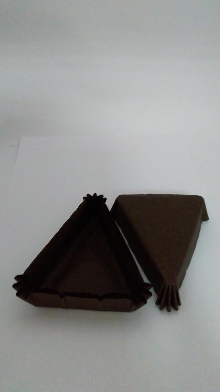 Форма треугольная  коричневая  102*78*25мм Украина - 04811