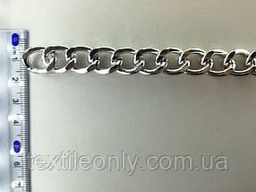 Ланцюг металевий вита розмір ланки 18х14мм колір срібло