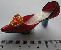 Магнит  керамика туфель высота 3,0 ширина 5,5 см.