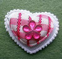 Аппликация пришивная. Ярко-розовое сердце в клеточку