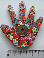 Магнит  керамика рука высота 8,0 ширина 6,5 см.