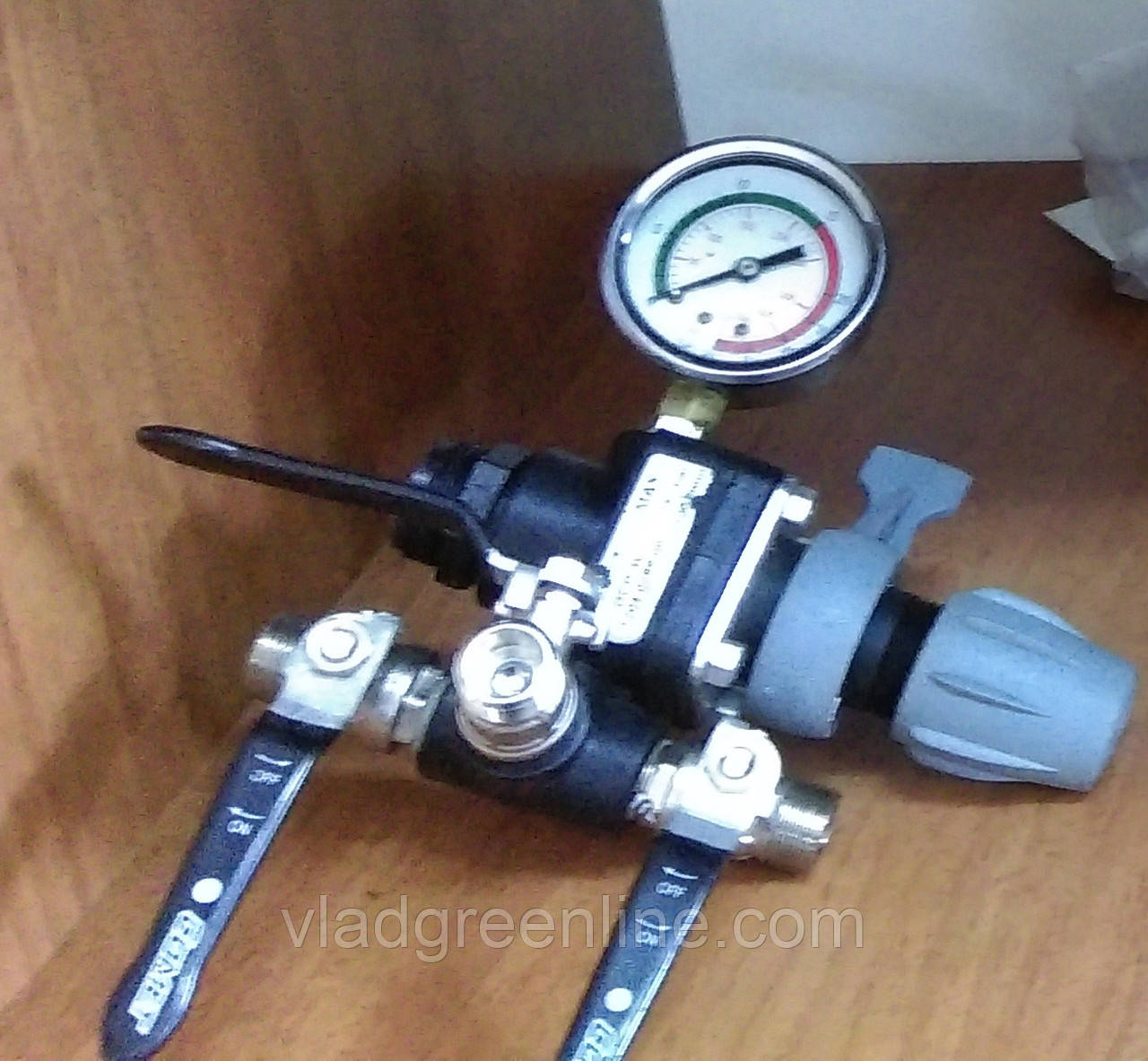 Регулятор давления с манометром (для насосов Comet 61 и 96)