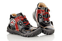 Кроссовки черные с красными вставками, красный шнурок.  23,25 рзм. (М)