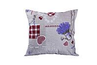 Подушка декоративная с принтом лаванда и сердечки.