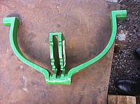 Хомут-вилка на сеялку John Deere A52444
