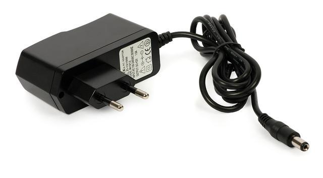 Блок питания, сетевой адаптер 12В 1А
