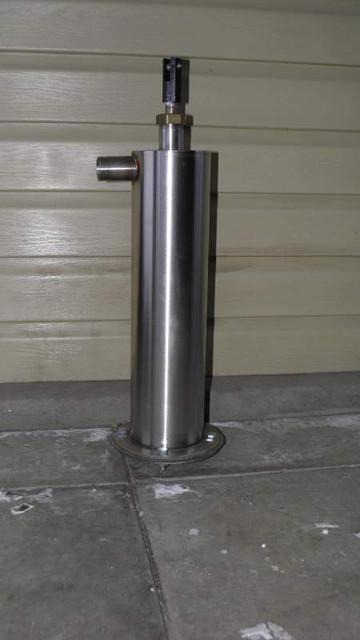 Ручной насос для колодца. Ручной насос в приямок (высота гильзы 400 мм, диаметр 104 мм), фото 1