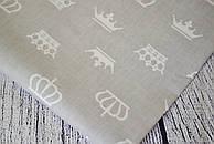Лоскут ткани №181а  с белыми коронами на сером фоне