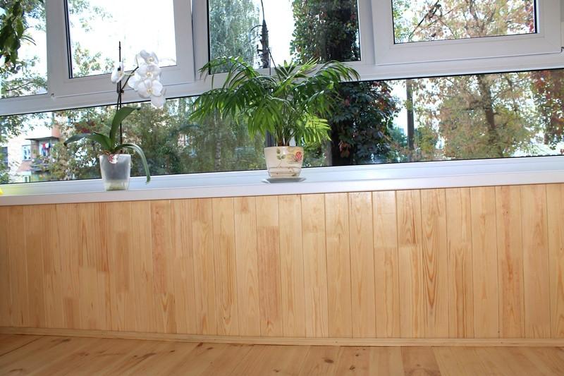 Внутренняя отделка - деревянная вагонка сосна.