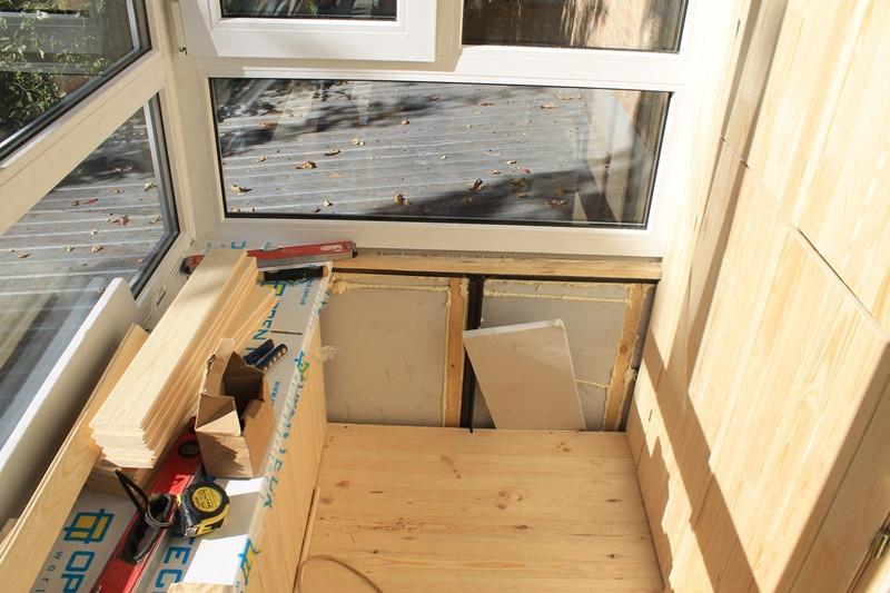 Балкон был утеплен пенополистиролом Изокам в 2 слоя для максимальной теплоизоляции.