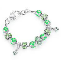 Женский браслет 0439 Пандора PANDORA с подвесками зеленый