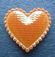 Аппликация пришивная. Оранжевое сердце