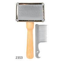 Trixie  TX-2353 Щетка-пуходерка мягкая с деревянной ручкой + расчёска 13 х 6 см