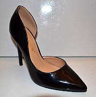 Туфли женские лаковые на шпильке черные KF0275