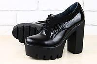 Черные туфли на высоком каблуке с кожаными вставками под питон и замши
