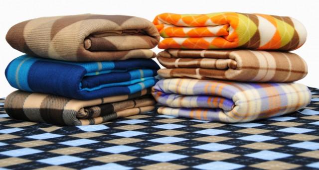 Одеяла, пледы, подушки от компании Оптом дешевле