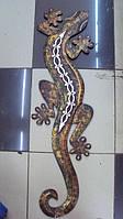 Ящерица настенная деревянная размер 102*35