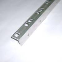 """Профиль 6000 алюминиевый уголок для крепления 19"""" оборудования перфорированный с шагом 1U под гайку 6010/1"""
