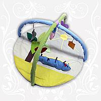 Коврик детский игровой Гусеница с дугами и подвесными игрушками